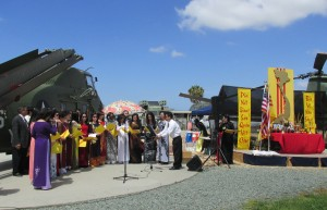 Vietnamese Americans Commemorate 1975 Fall of Saigon; Foundation President Dennis Schoville is Guest Speaker
